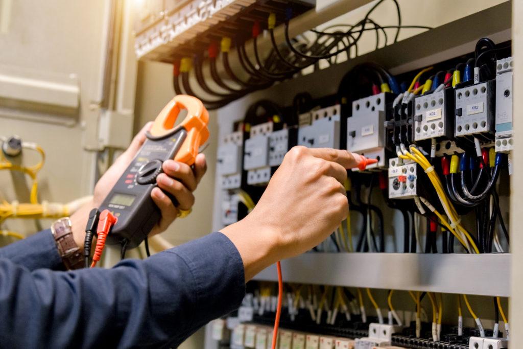 Análise de qualidade da energia elétrica evita falhas no sistema elétrico e garante segurança | Kabelweg Engenharia - KWE.